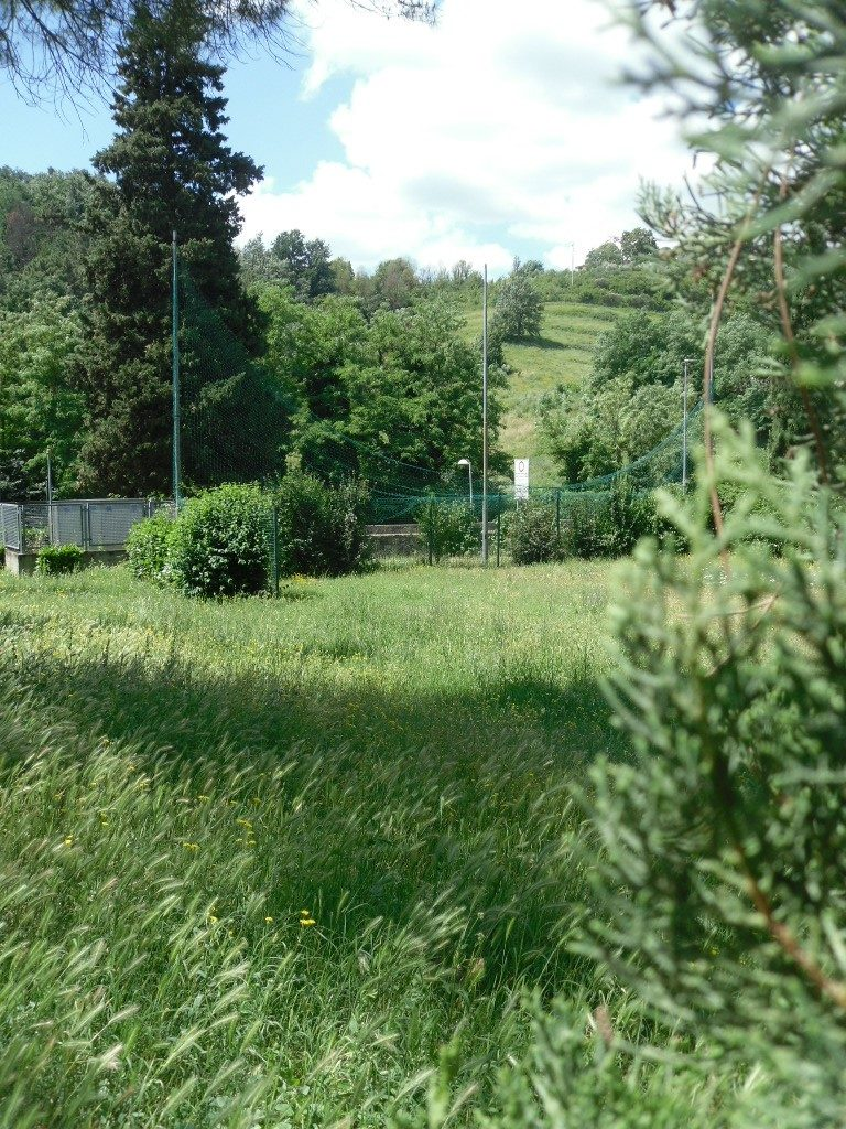 Grassina in zona residenziale terreno edificabile mq 486 oltre taverne e mansarde