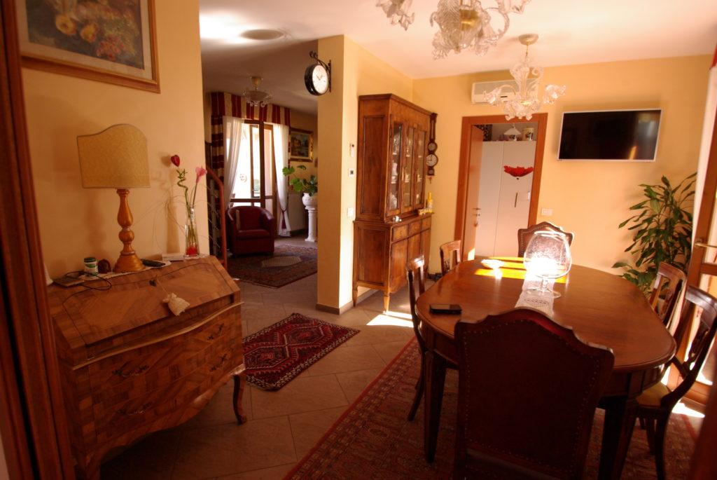Viale Corsica ultimo piano 9 vani su due livelli con 04 terrazze
