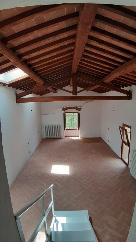 Settignano in contesto signorile primi 900' disponiamo di una unità immobiliare completamente ristrutturata con restauro conservativo  9 vani  mq 220 disposta due livelli